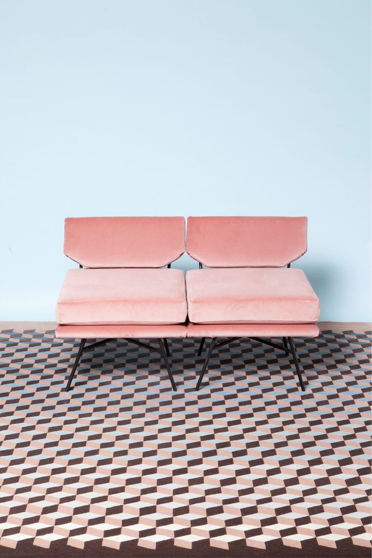 www.littlegreenshedblog.co.uk, pink sofa