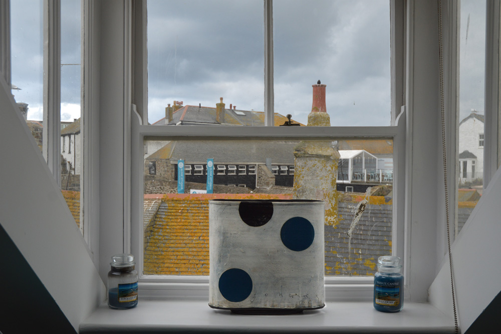 bar-window-st-ives-house