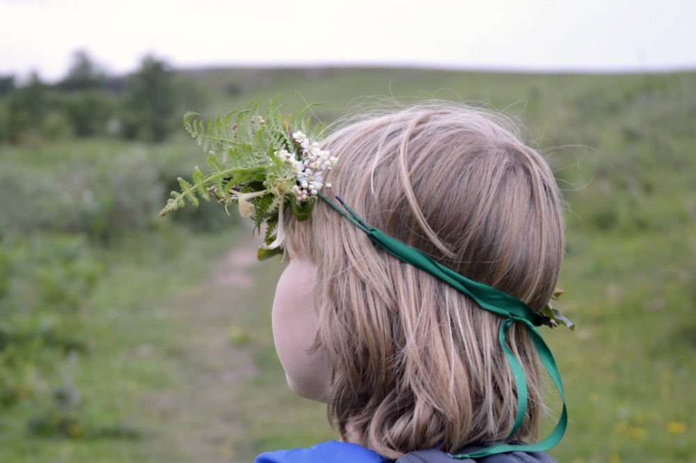 littlegreenshed blog - midsummer flower crowns back