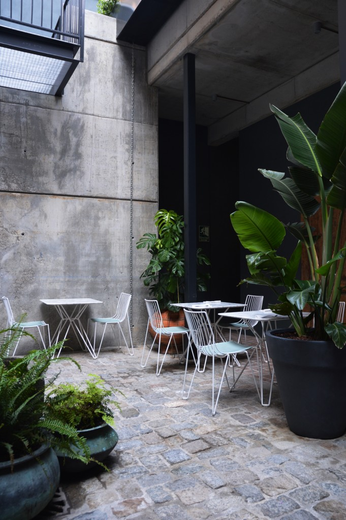 Hotel Brummel - Back yard dreaming - littlegreenshed blog