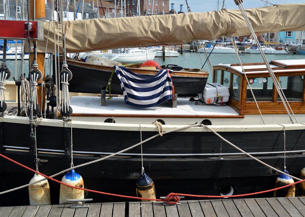 Dorset-Harbour-Towel