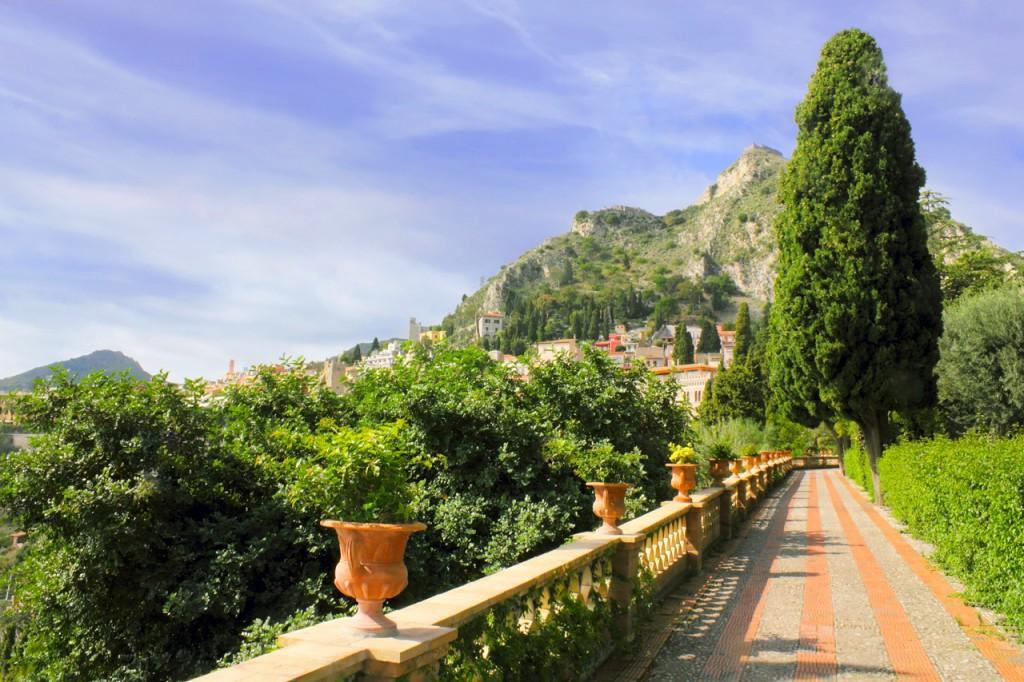 sicily-monumental-gaden-view-in-taormina