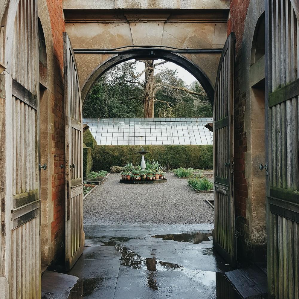 Lou Archell Littlegreenshed Archway