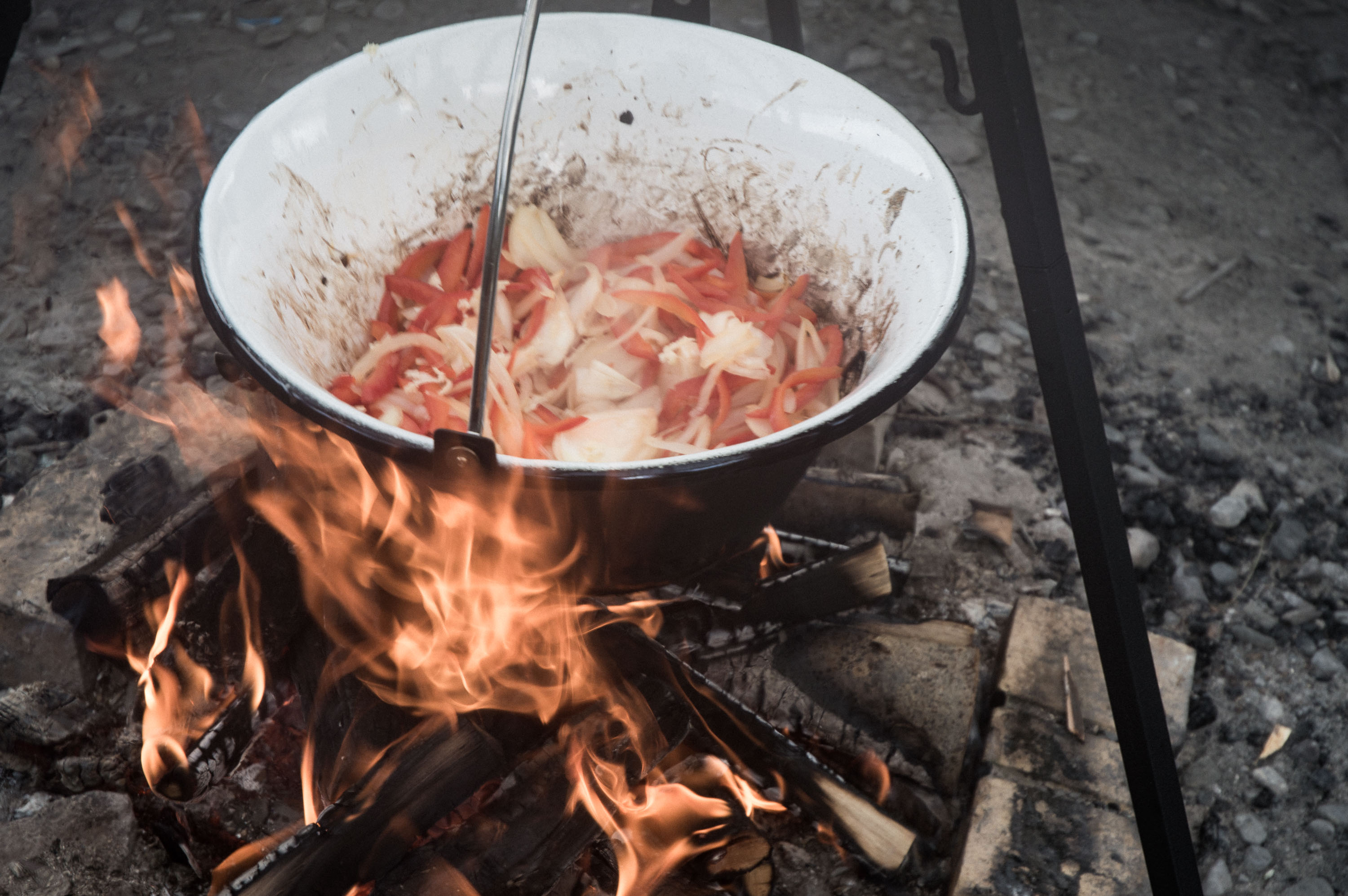 Sisterhood camp fire shakshuka