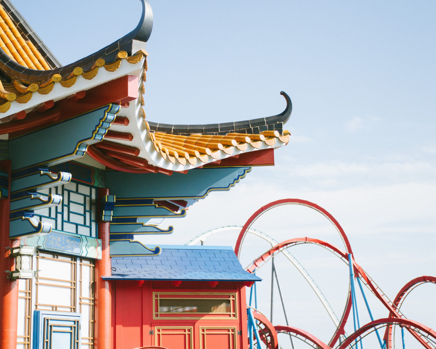 Themed buildings at Port Aventura World and Shambala and Red Khan roller coasters.